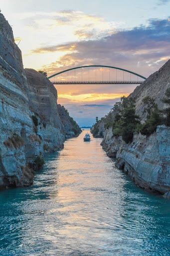 Ponant-Greece-Corinth-Canal-sunset.jpg - Enjoy the end to a perfect day cruising the Corinth Canal on a Ponant cruise.