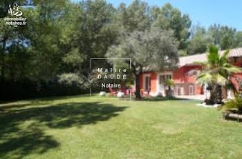 Villa 6 pièces 228 m2