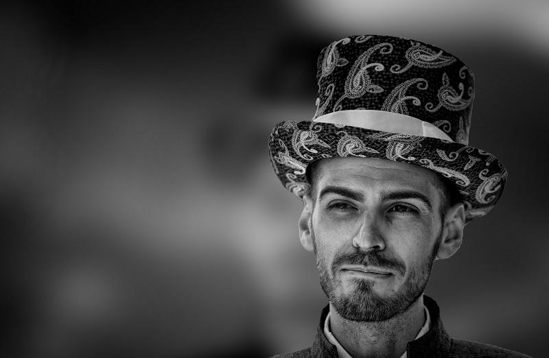 Uomo con tuba di Gianluca Presto