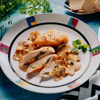 Hühnerbrustfilets mit Schwammerl-Weinsauce