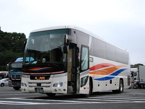 京浜急行バス「エディ号」吉野川系統 3207 鮎沢パーキングエリアにて_01