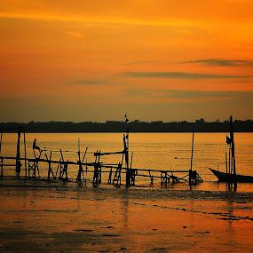 Kabong by Ismail Rali - Landscapes Sunsets & Sunrises ( orange, sunset, sunrise, landscape, sarawak, kabong )