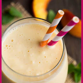 Peach & Oat Breakfast Smoothie.