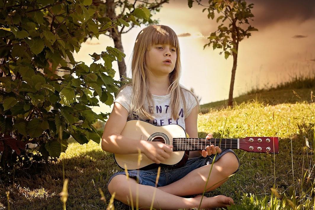 Kindermusik - Kinderlieder zum mitsingen und mitmachen