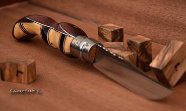 Photo: Opinel custom n°118 http://opinel-passions-bois.blogspot.fr/ Personnalisations en marquèterie de bois précieux, cornes, résines et aluminium du couteau pliant de poche de la célèbre marque Savoyarde Opinel.
