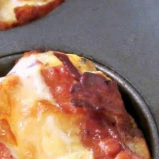 Easy Bacon & Eggs Breakfast Muffins with an Eggo Waffle Crust.