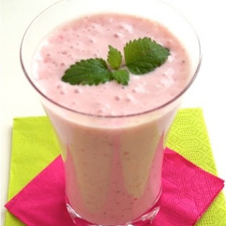 Clean Eating Strawberry Banana Smoothie.