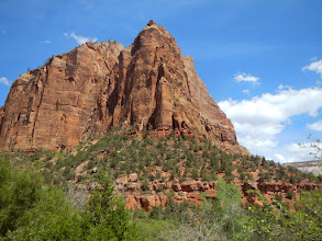 Photo: One of many prominent rock features in the park. Which one? Don't ask me.