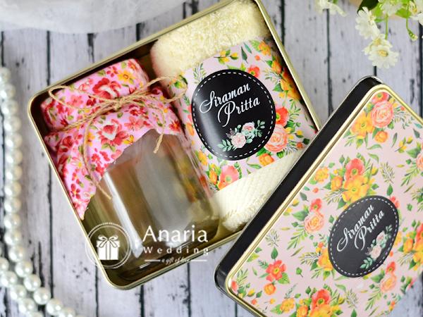 Souvenir Siraman Eksklusif Kaleng Towel Jar