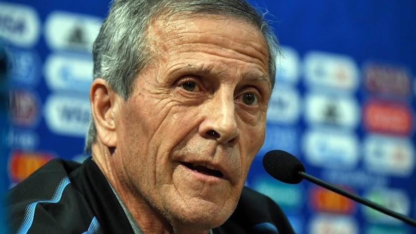 No se fía de nadie el entrenador de Uruguay.