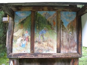 Photo: На Шумакских источниках. Благодарственные надписи и картины