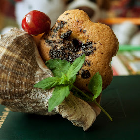Happy muffin by Mănăilă TeoDora - Food & Drink Cooking & Baking ( shell, cherry, mint, muffin )