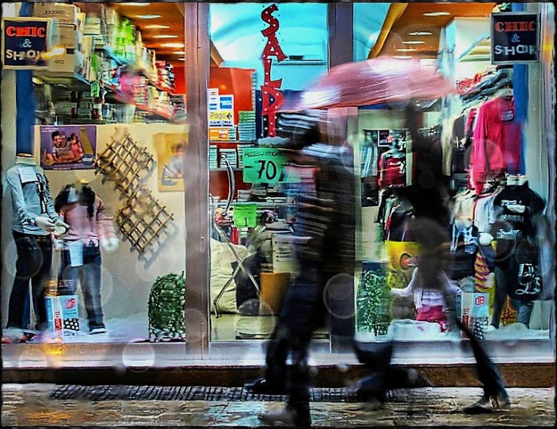 Quattro passi sotto la pioggia. di Francesco Abate