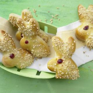Sweet Yeast-Dough Bunnies