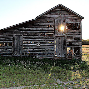 Barn Dance by Kevin Hill - Buildings & Architecture Decaying & Abandoned ( farm, barn, sunset, sunrays, farmland, barns, abandoned,  )