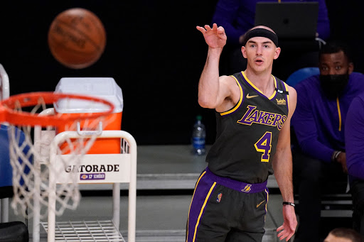Alex Caruso tackles bigger workload as Lakers adapt with playmakers out
