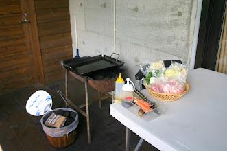 Photo: ラムジンギスカンセット 1人前 1,200円(税抜き)  (バーベキューの道具は別途ご予約が必要です。写真は2人前です。) ラム肉300g、もやし、ピーマン、玉ねぎ、焼きそば、タレ、サラダ油、割り箸
