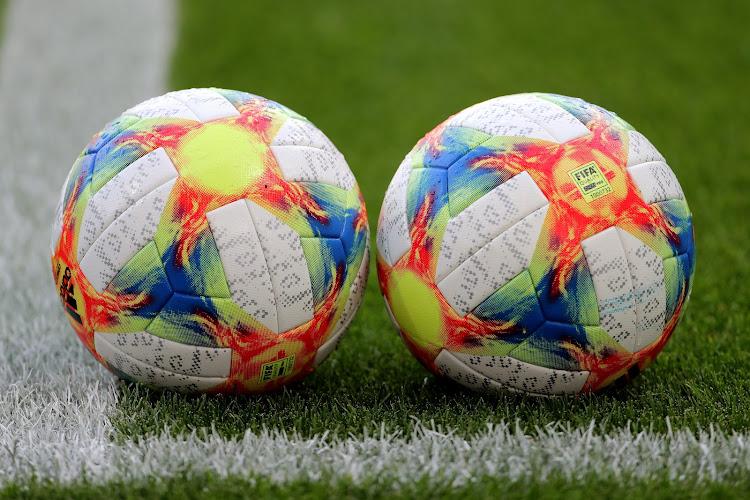 Le vice-président du Surinam devient le joueur le plus âgé à disputer un match international de clubs