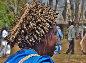 """Photo: Prestigekappe 2  Diese Kopfbedeckung eines Notablen (Würdenträger) wird auch """"Igelkappe""""genannt. Oft stehen die 3-4 cm langen gehäkelten Röhrchen von der Kappe ab, indem sie von innen mit Stäbchen versteift werden."""