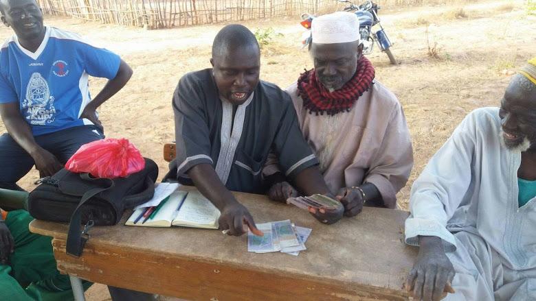 Entrega del donativo GUP para comidas niños Senegal