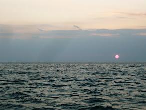 Photo: 気持ちいい朝です! 今日は、いいナギです! 楽しい釣りを!がんばりましょう!