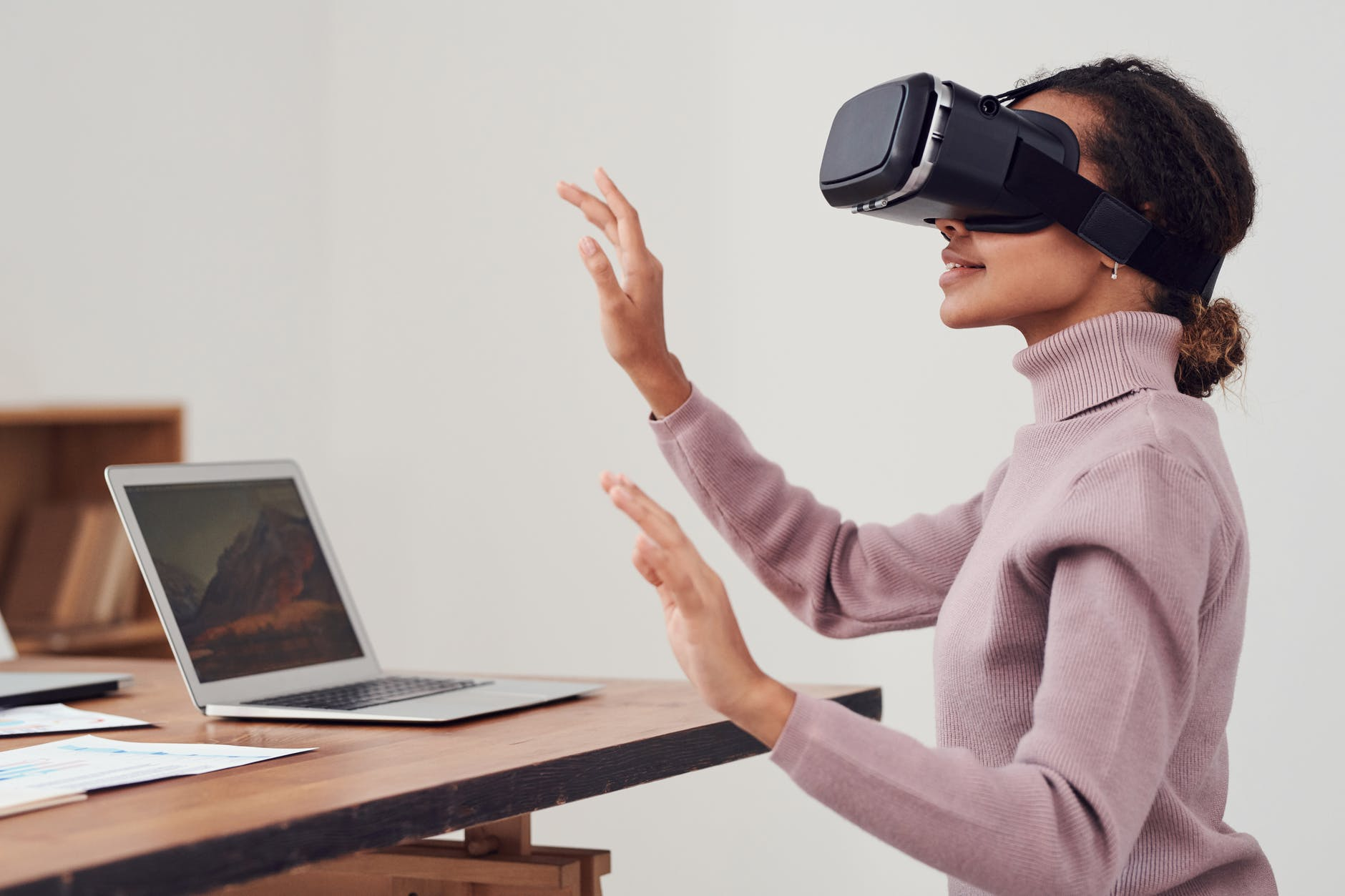 How the Travel and Tourism Industry are Using VR Technology