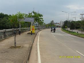 Photo: Die Strandstrasse von Krabi (Die Uttarakit Road am Wasser)
