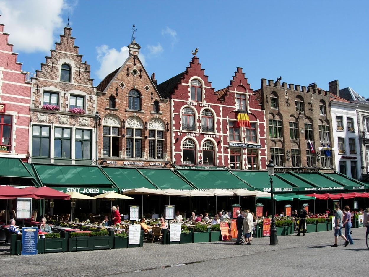 Maisons sur le Markt à Bruges