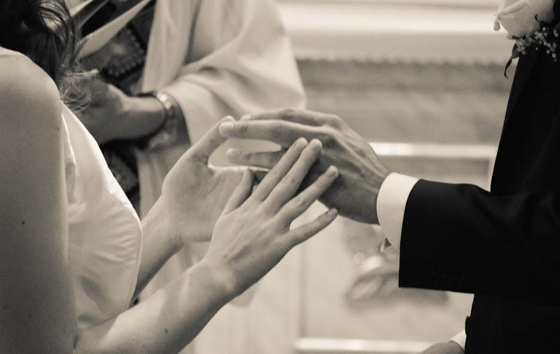 Mani nelle mani di coriele_francesca
