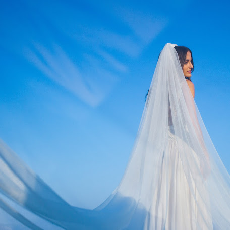 Wedding photographer Vasilis Kavousakis (passM7308). Photo of 16.01.2018