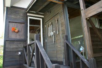 Photo: ゲストハウス(E-1)の入口です。 entrance of E-1 E-1的入口