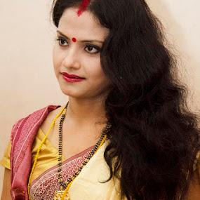 Indian Bridal by Debatosh Chakraborti - People Fashion ( fashion, bridal, portraits, people, women, gary fong, self portrait, selfie )