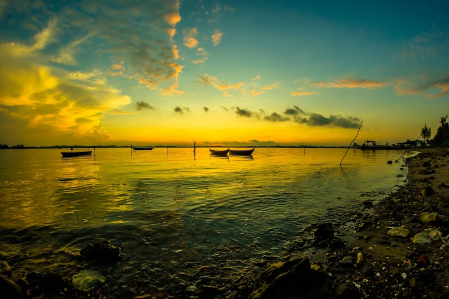 warm sunrise by Chevro Mr - Landscapes Sunsets & Sunrises