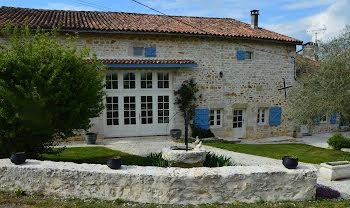 maison à Nanteuil-en-Vallée (16)