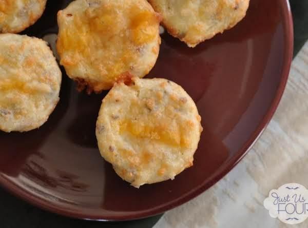 Bacon Chile Cornbread Mini Muffins