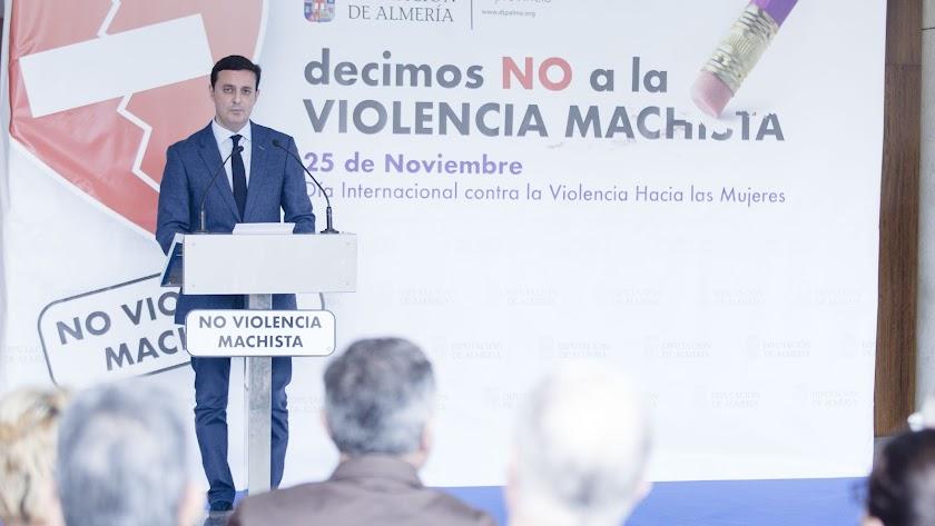 Javier Aureliano García, durante un acto contra la violencia de género.