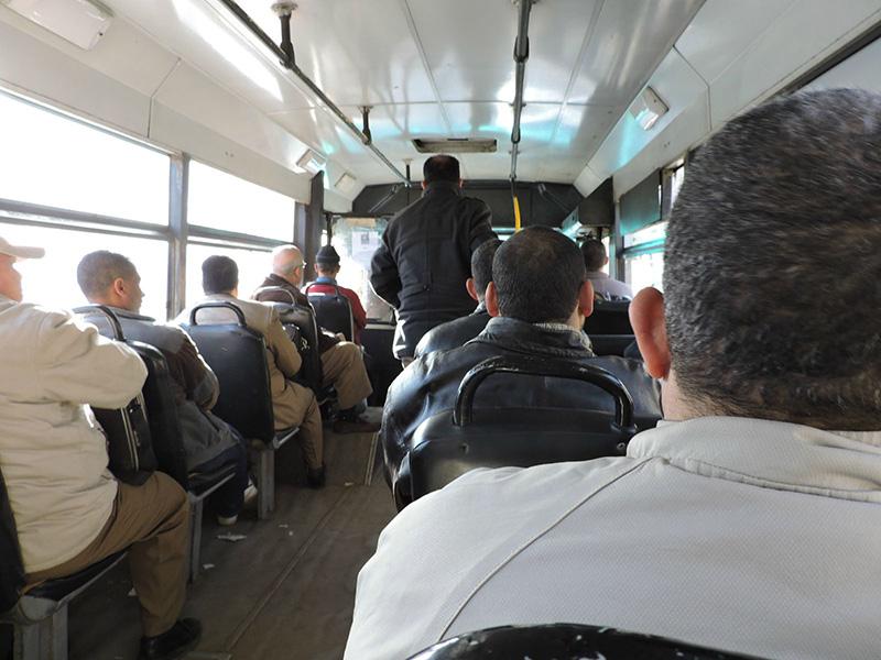В автобусе на пирамиды