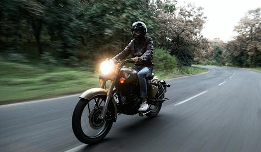 Le Pays Cathare en Royal Enfield avec France Moto Voyages