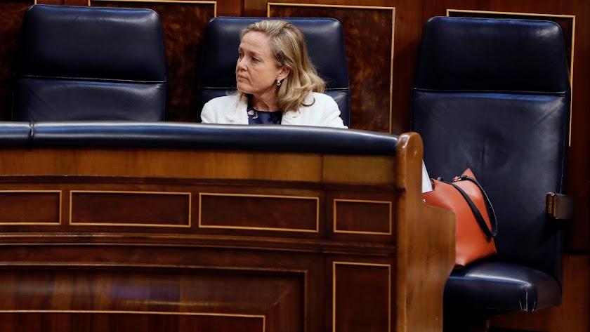 La ministra de Economía, Nadia Calviño, en el Congreso.