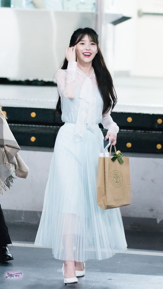 iu gown 40