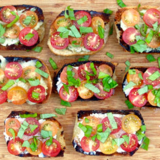 Grilled French Bread with Goat Cheese, Brie, Heirloom Tomatoes & Basil