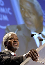 Photo: NEW YORK,4FEB02 - Kofi Annan, Secretary-General of the United Nations, speaks to the audience during the closing  session of the 32nd Annual Meeting of the World Economic Forum at the Waldorf-Astoria hotel on February 4, 2002.