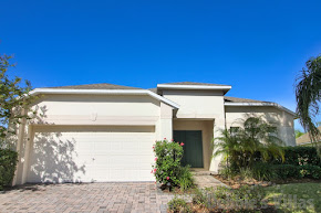 Orlando villa, close to Disney, gated West Haven community, private pool and spa, games room