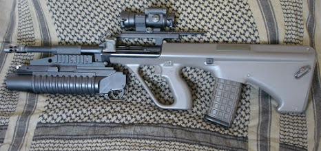 Photo: Steyr AUG F88 + M203