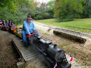 Photo: Pete Green entering the siding at East Sumrall       2013-1116 RPW