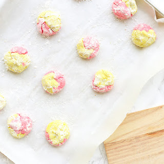 Strawberry Lemonade Crinkle Cookies Recipe