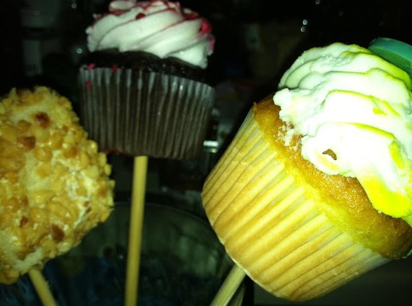 Little Peanut Cakes on a stick and cup cakes on a stick.