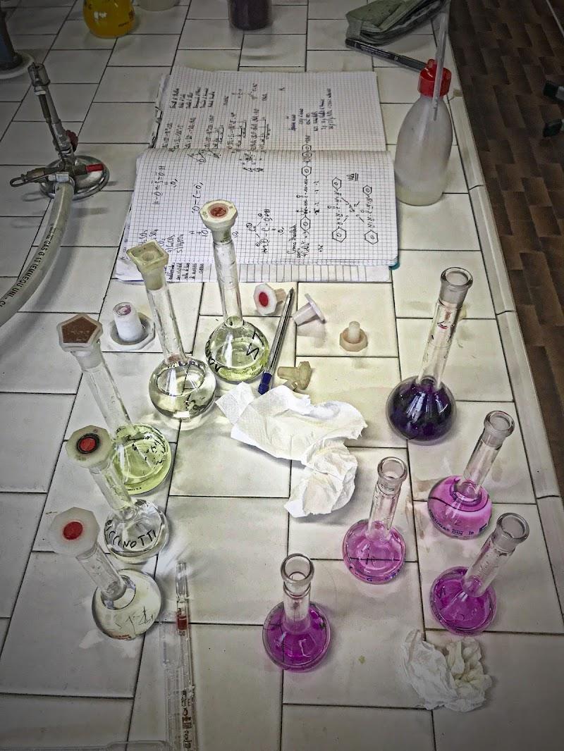 Il banco del chimico di Patrix