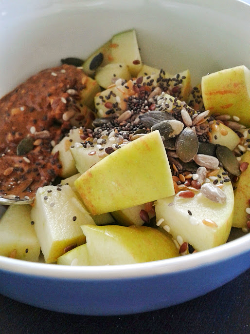 Welcome to Mommyhood: paleo apple snack