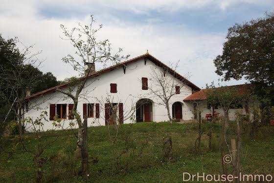 Vente maison 9 pièces 227 m2